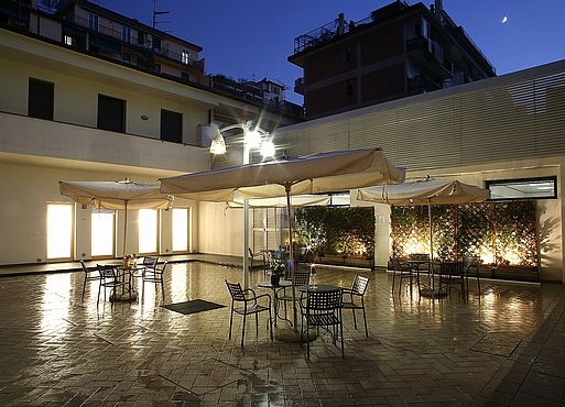Quadra key apartment hotel firenze for Appartamenti design firenze